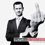 Bashar Al-Assad realiza el gesto de la peineta en el anuncio de Reporteros sin fronteras