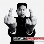 kim Jong-Un y una doble peineta