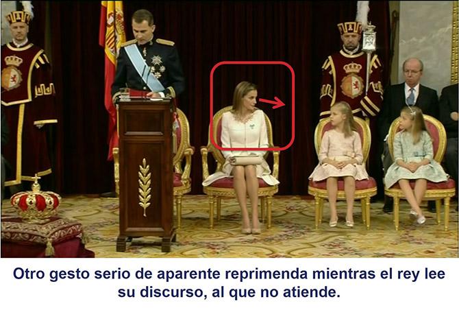 La reina Letizia dirige un gesto de aparente reprimenda a sus hijas