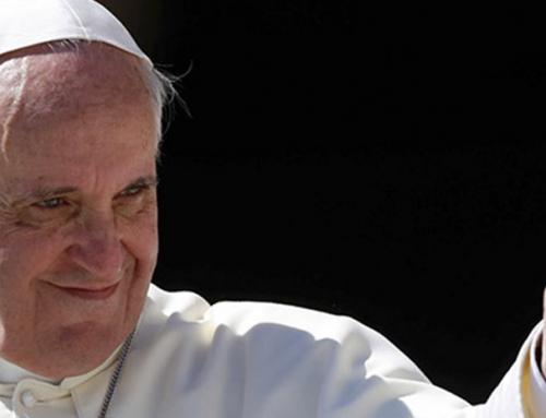 Las tres caras del papa Francisco, analizamos su lenguaje corporal
