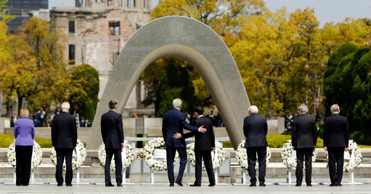 Hiroshima, tacto, cercanía y afecto en la comunicación no verbal